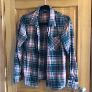 Patagonia Women's Flannel size 4